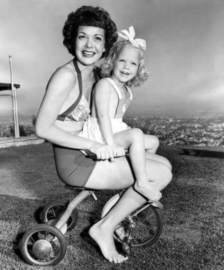 Jane Wyman and daughter, Maureen. September, 1944