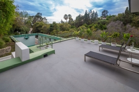 Samuel-Novarro House 004