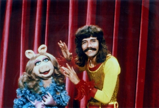 doug henning miss piggy