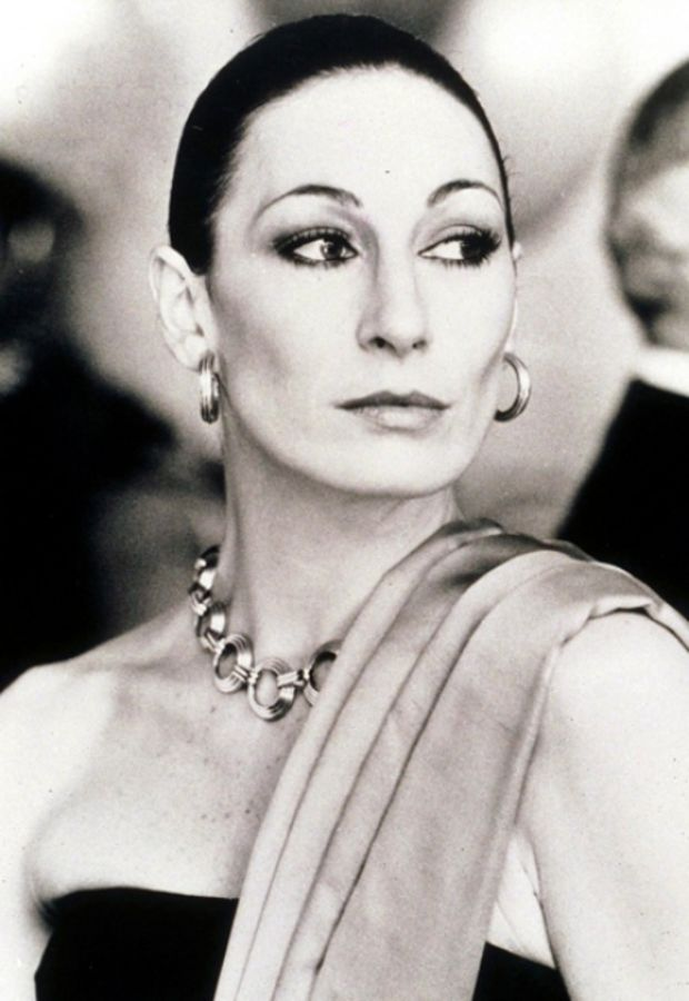 anjelica huston model