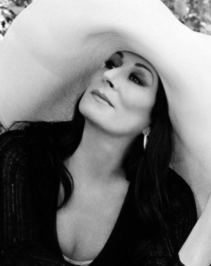 anjelica huston 4