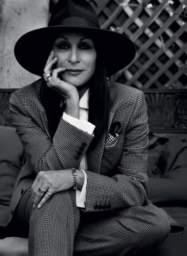 anjelica huston 5