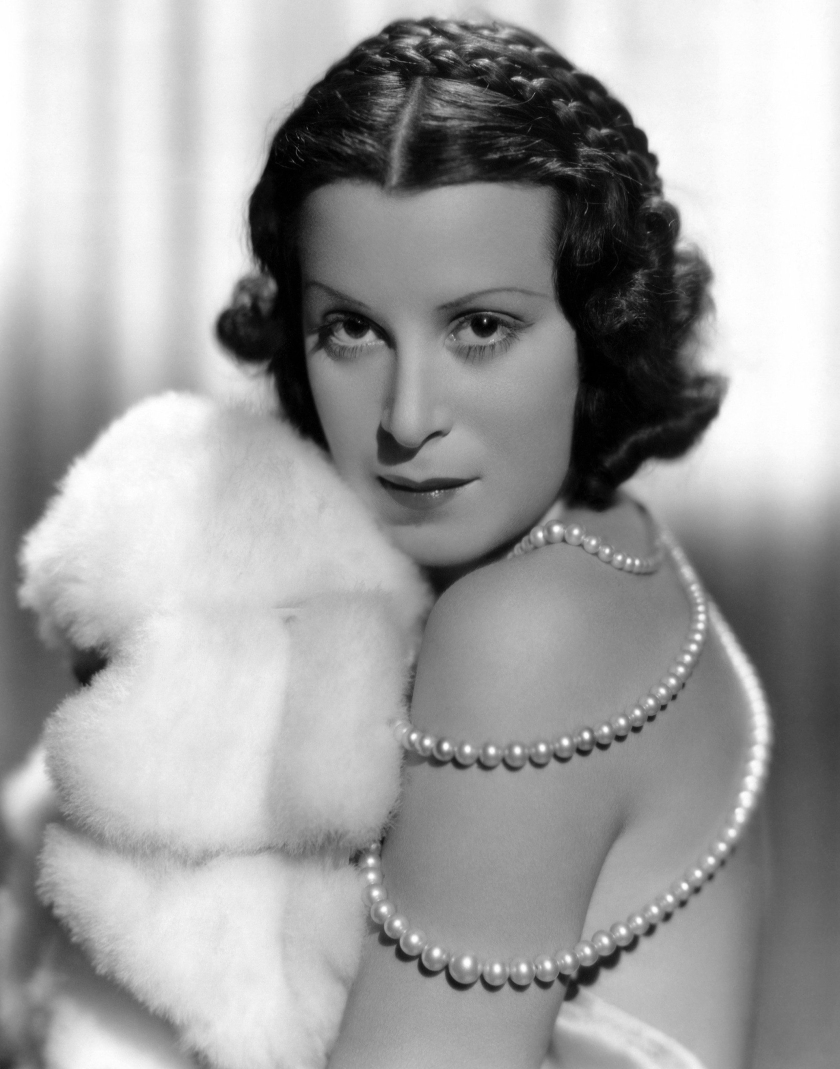 kitty carlisle 01