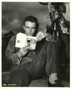 montgomery-clift-reading