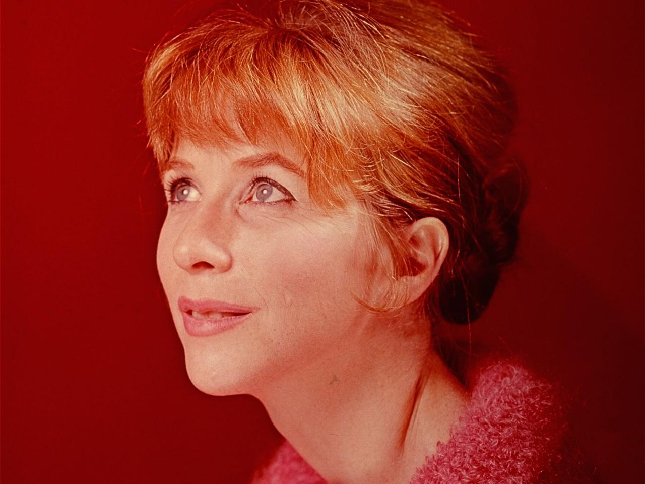 Actress Julie Harris is shown in this 1965 portrait. (AP Photo)