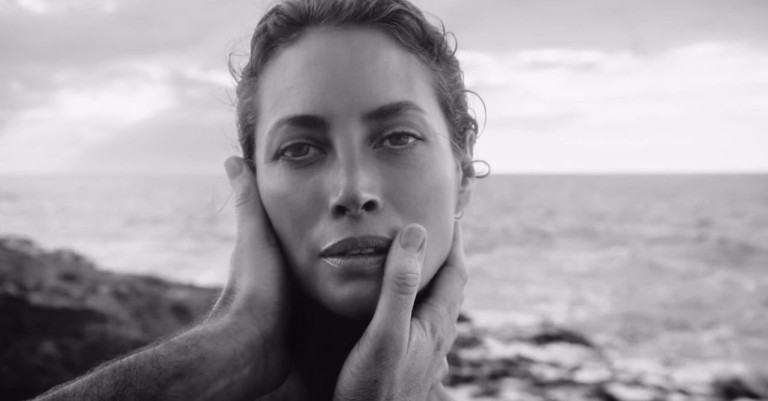 christy-turlington-08