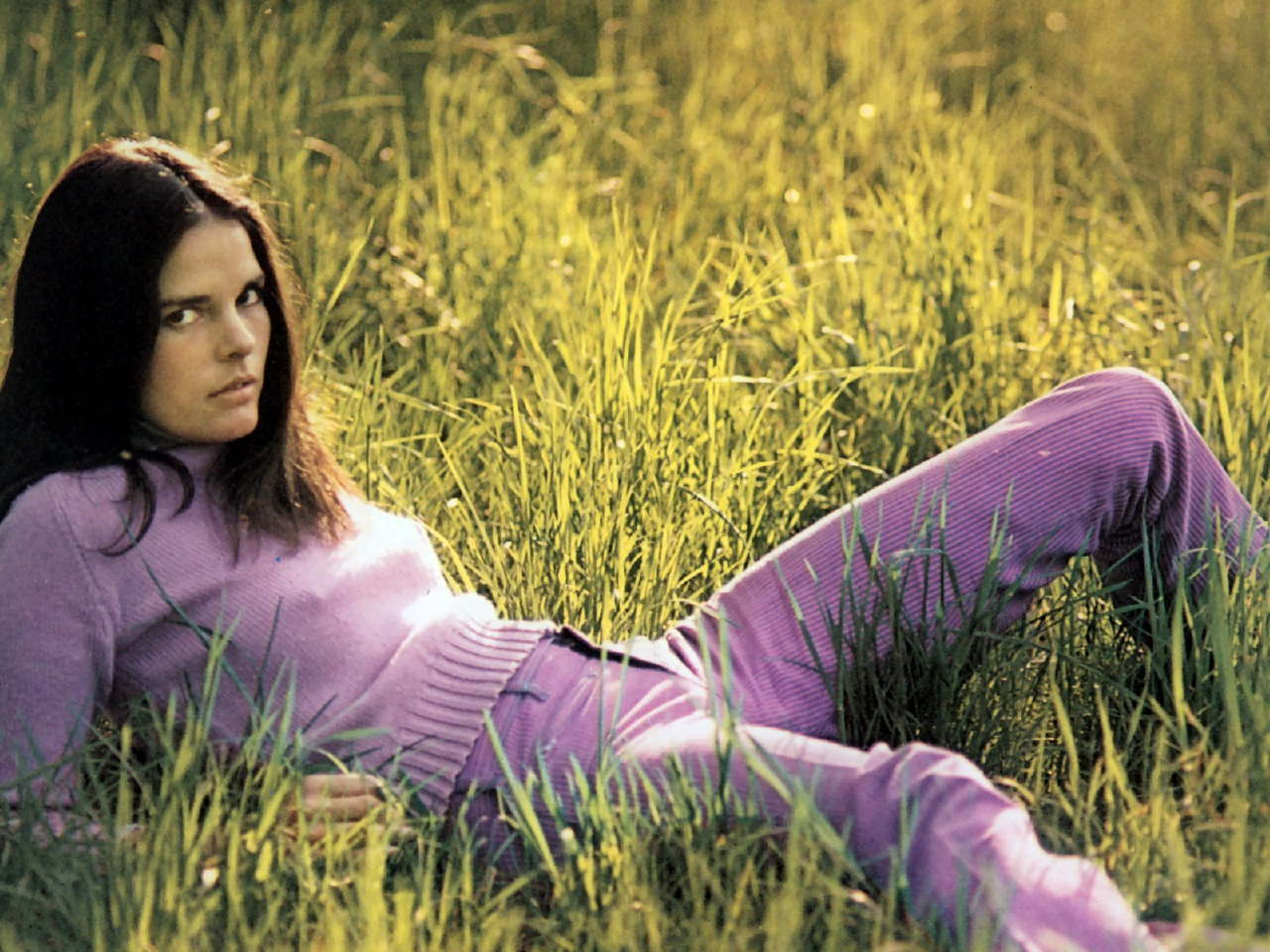 Ali MacGraw Nude Photos 44