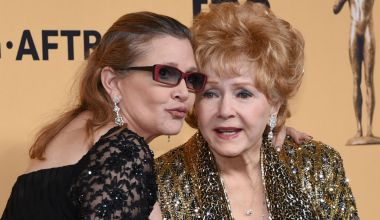 debbie and carrie 01