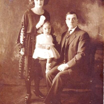 Waldina, Alfa, & Alfred. 1922.
