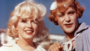 some like it hot 001